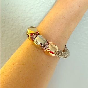 Jewelry - Tri-tone fashion bracelet